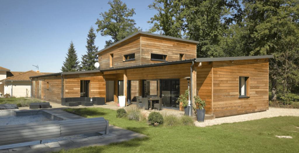 maison ossature en bois clés en mains avec piscine